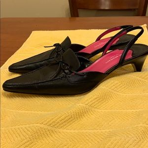 Women's shoes size 9.5.